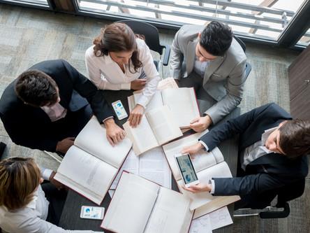 Kaip pasirinkti savo verslui tinkamą teisininką?