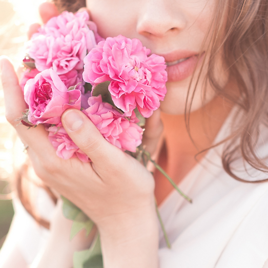 Woman with roses.png
