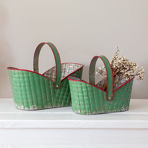 set-of-two-holiday-metal-baskets-1500x15