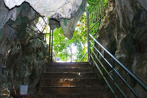 Roaring Rivers Park & Cave