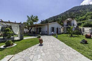 Annas Villa (1).jpg