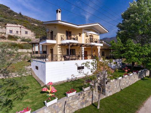 Villa Loridis with garden