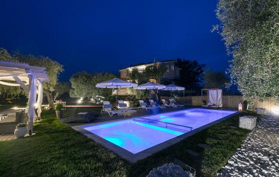 Foka Villa Pool new-.jpg