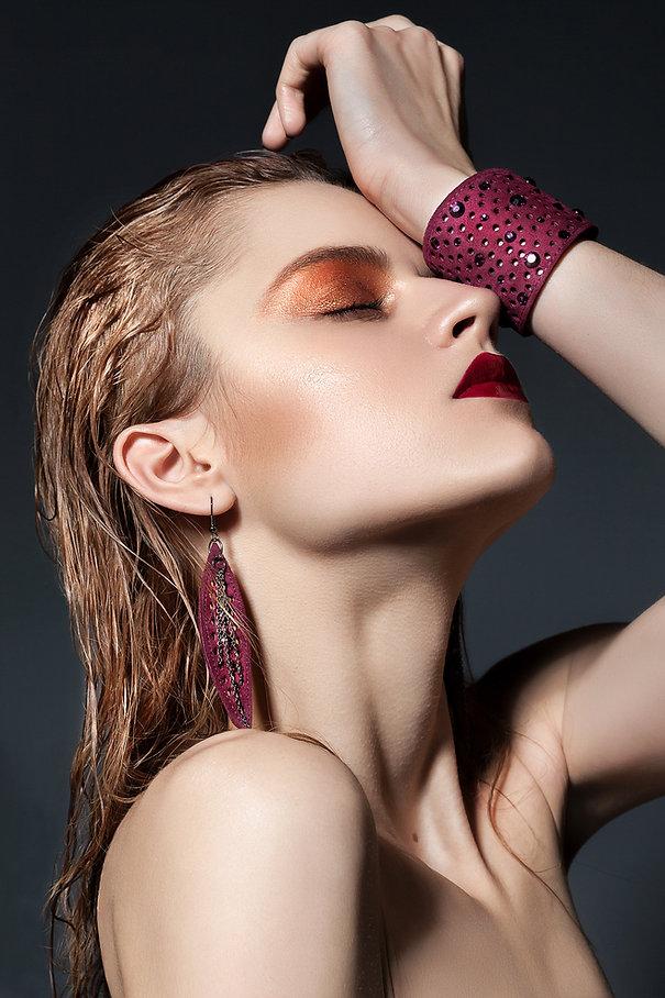 Modèle à bijoux rose