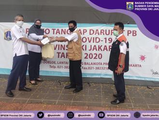 Penyerahan Bantuan untuk Penanganan Wabah Covid-19 kepada Gugus Tugas Covid-19 Provinsi DKI Jakarta