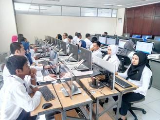 Pelaksanaan Ujian Diklat Pelayanan Terpadu Satu Pintu Angkatan 34 di ruang CAT BPSDM Provinsi DKI Ja
