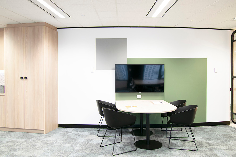 Level-20-ASQ_Meeting-Area.jpg