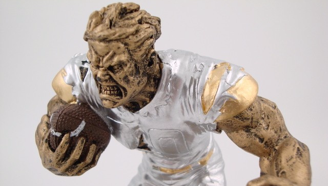 Fantasy_Football_Monster_Trophy_-_Perpetual_FF3_figure_2_2048x2048_edited