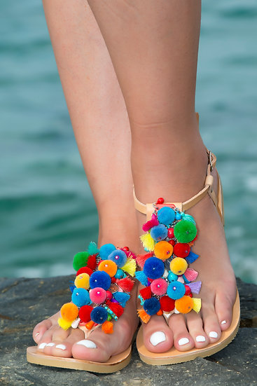 Handmade leather sandals with pom poms (th2016)