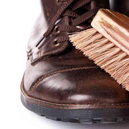 Μου έπεσε λάδι στο δερμάτινο παπούτσι…και τώρα τι κάνω;