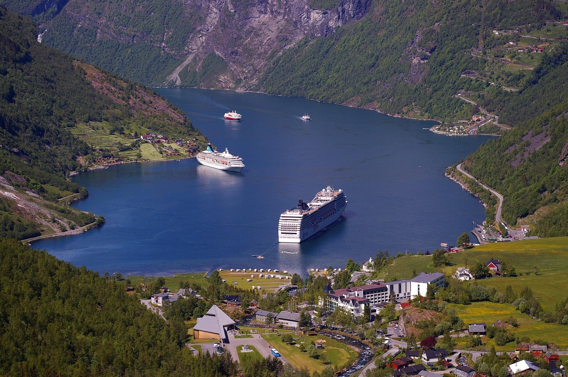 fjord-940524_1920