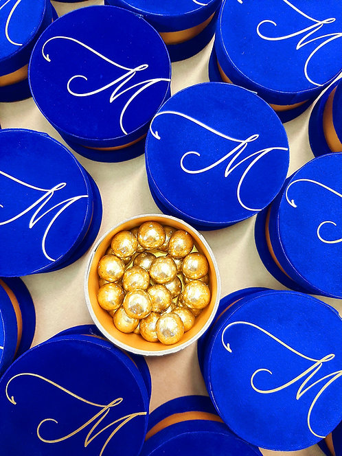 Cappelliera in velluto blu e carta oro