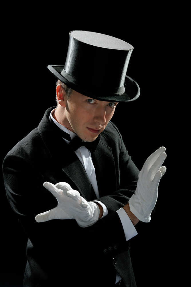 Event Entertainment Singapore - Professional Magician - Electric Dreamz