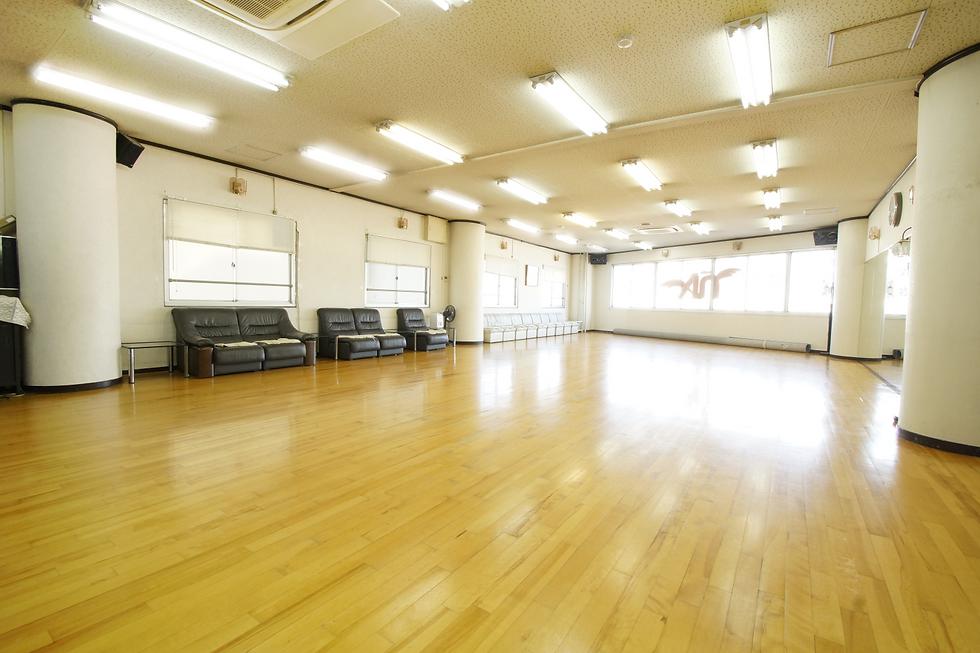 studioN&A 広くて明るいレンタルスタジオ、阪急線中津駅前
