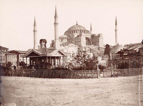 Istanbul_-_Pascal_Sebah_(1823-1886)_-_Vu