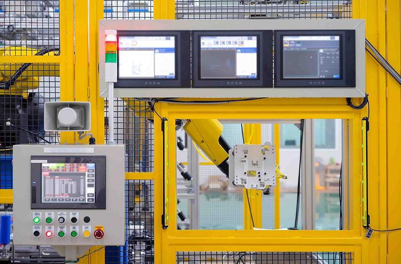 Industrieanlage mit Roboter
