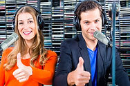 radio-presenters-radio-station-air_79405