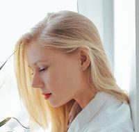 attractive-beautiful-blonde.jpg