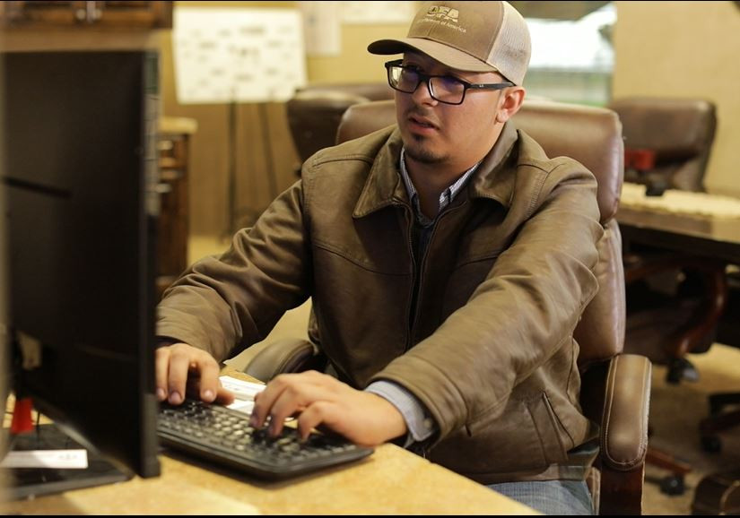 23-year-old Juan Castellanos works as the office manager and assistant digester operator at a dairy in Hanford, while pursuing an associate degree in Computer Information Systems and Business Administration.