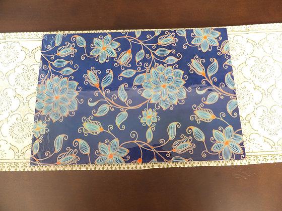 Wooden Elegant Blue floral Placemats and Trivets set