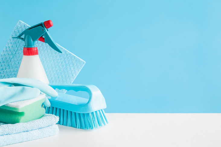 Cleaning set for different surfaces in k
