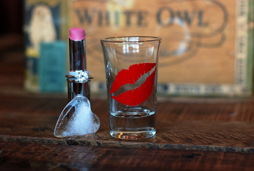 Red Lips Shot Glass
