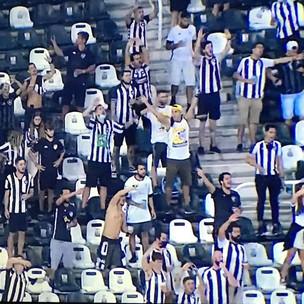 Torcida do Botafogo volta ao estádio, ajuda o time a vencer o Sampaio e assumir a vice-liderança