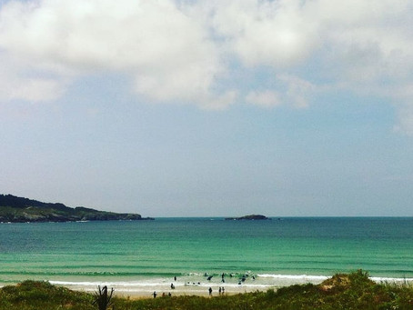 Este verano lo vamos a pasar genial👏🏄🙌..... El verano ya está aquí....!!! 🌅 Ven y aprende a surf