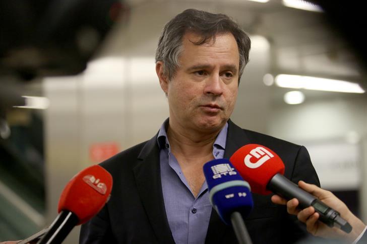 Lisboa, 08/11/2015 - Chegada de refugiados, esta tarde, ao aeroporto de Lisboa. Luís Gouveia, director nacional adjunto do SEF (Diana Quintela / Global Imagens)   |  DIANA QUINTELA / GLOBAL IMAGENS