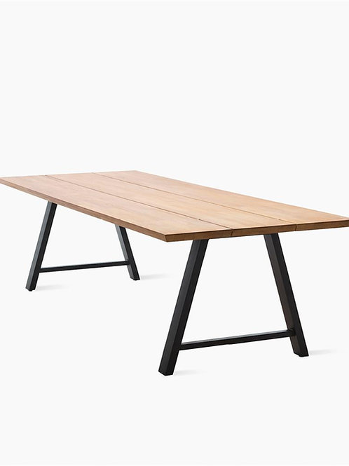 VINCENT SHEPPARD Matteo dining table