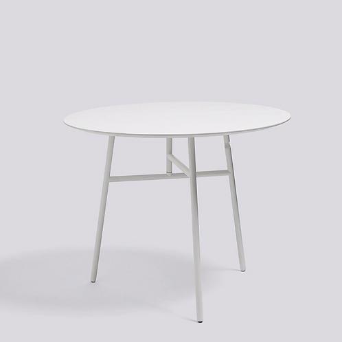 HAY TILT TOP Tafel diameter 90 H74 wit gelakt staal - blad Es wit