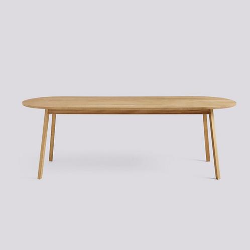 HAY TRIANGLE LEG Table H74, pieds et plateau chêne massif huilé