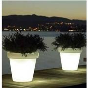 de verlichte plantenbak koeler van bloom voor binnen en buiten geschikt voor elke inrichting ook als wijnkoeler inzetbaar