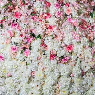 Flower-wall-romance-white-and-pink.jpg