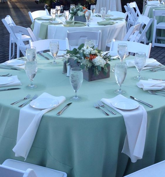 Green Themed Wedding Decor