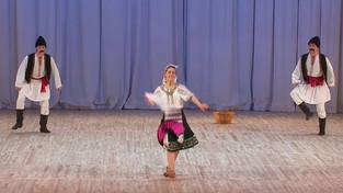 """Молдавский шуточный танец """"Табакеряска""""."""