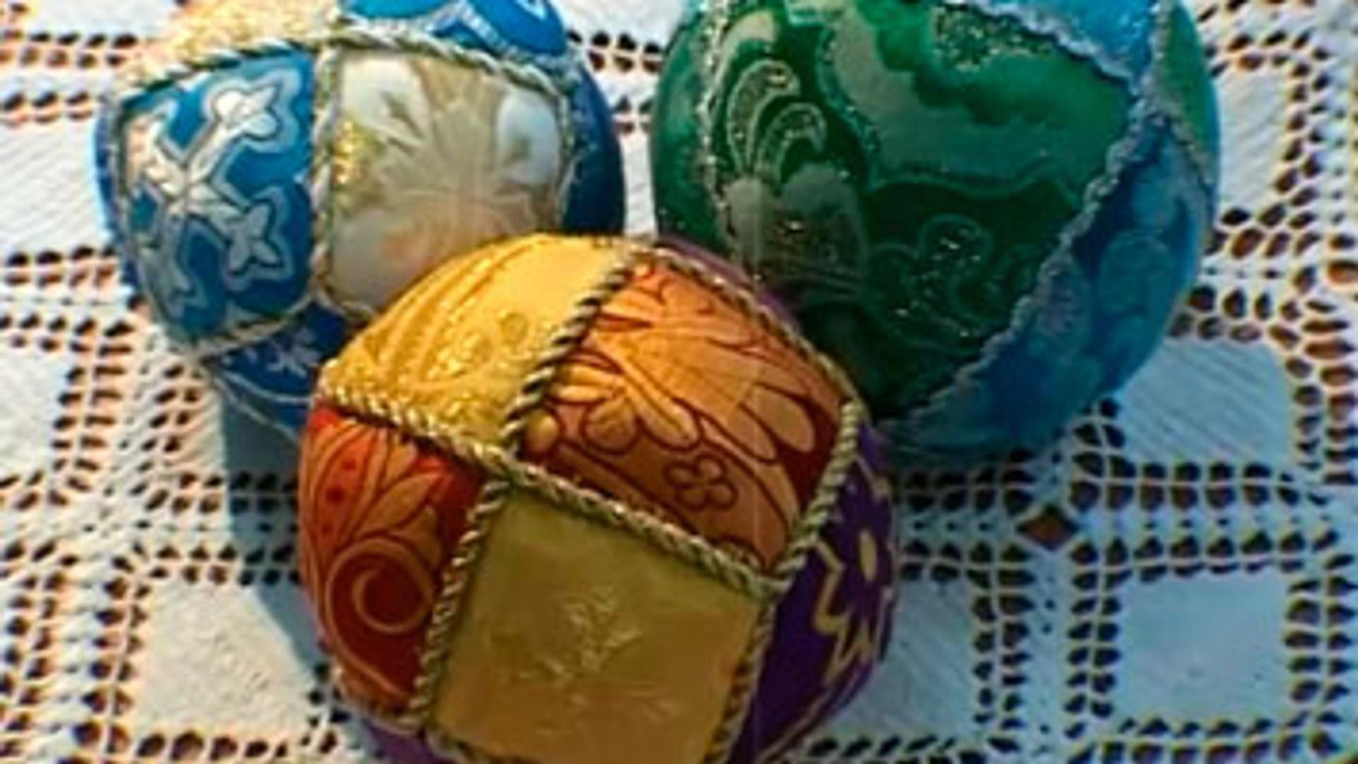 Лоскутные мячики.
