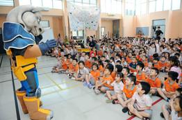 Rhino Ranger meets students.JPG