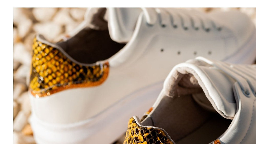 Pointed Lace-up Sneakers