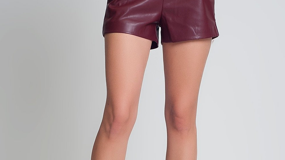 Shorts Maroon with Belt in Faux Leather