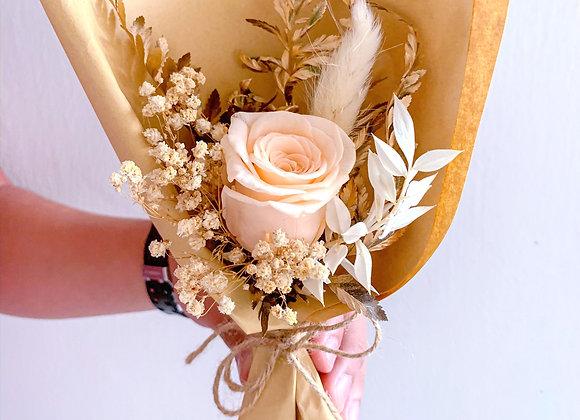 Lovella (Preserved Flowers)