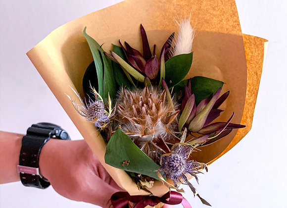 Makeda (Preserved Flowers)