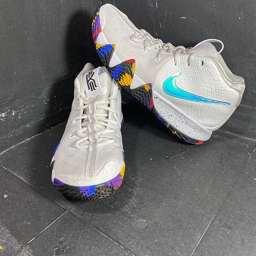 """Nike Kyrie 4 """"NCAA"""" (Size.9)"""