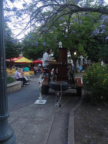 2015 El Piano Rodante en la plaza central de Mercedes, Prov de Bs AS