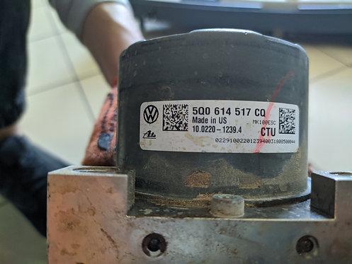 Блок АБС (ABS) 5Q0614517 Tiguan США