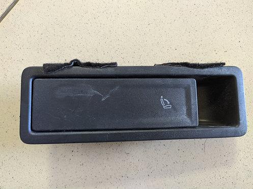 Кнопка регулювання спинки сидіння 5NN885671B Tiguan США