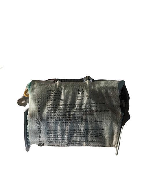 Подушка безпеки передньої правоїстойки