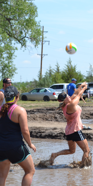 mud volleyball 1
