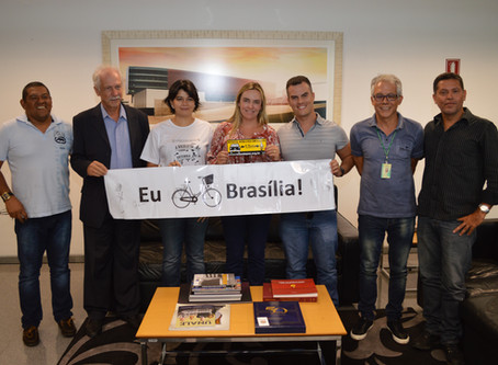"""Celina Leão recebe integrantes da ONG """"Rodas da Paz"""""""