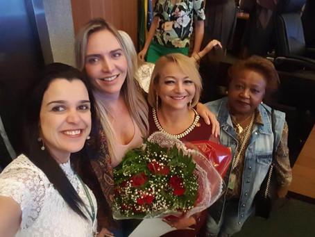 Câmara concede Título de Cidadã Honorária para advogada Lúcia Bessa